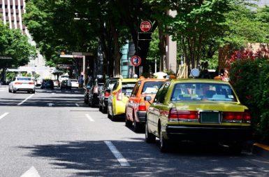 タクシーにおける動画広告のメリット・デメリットと導入事例を紹介!